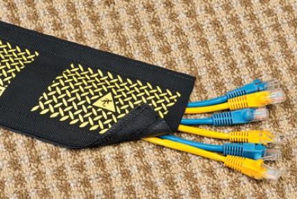 Фото4 DRN..00BK Защитный эластичный кабельный трап для коврового покрытия на липучке