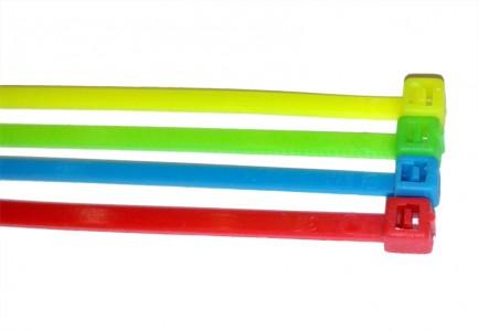 Фото1 SNC-25-100.. - Стяжки нейлоновые шириной 2,5 мм, длиной 100 мм, цветные (УФ)